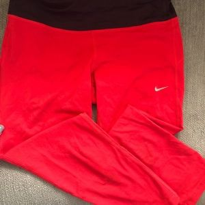 Nike running coral crop leggings size small